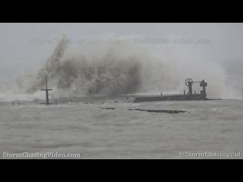Lake Michigan wicked waves and snow – Northern Chicago metro 10/31/2019