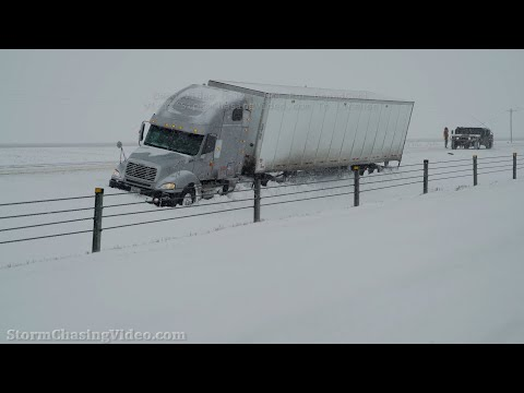 Winter Storm Brings Heavy Snow To Memphis, TN Metro – 2/17/2021
