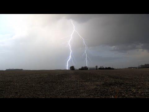Severe Storms Produce Vivid Lightning Over Minnesota – 4/5/2021