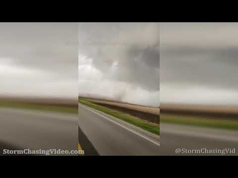 Brief Tornado Touchdown near Tallula, IL – 5/3/2021