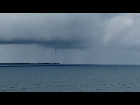 Water Spouts Touch Down On Lake Michigan Maintou Passage – 6/22/2021